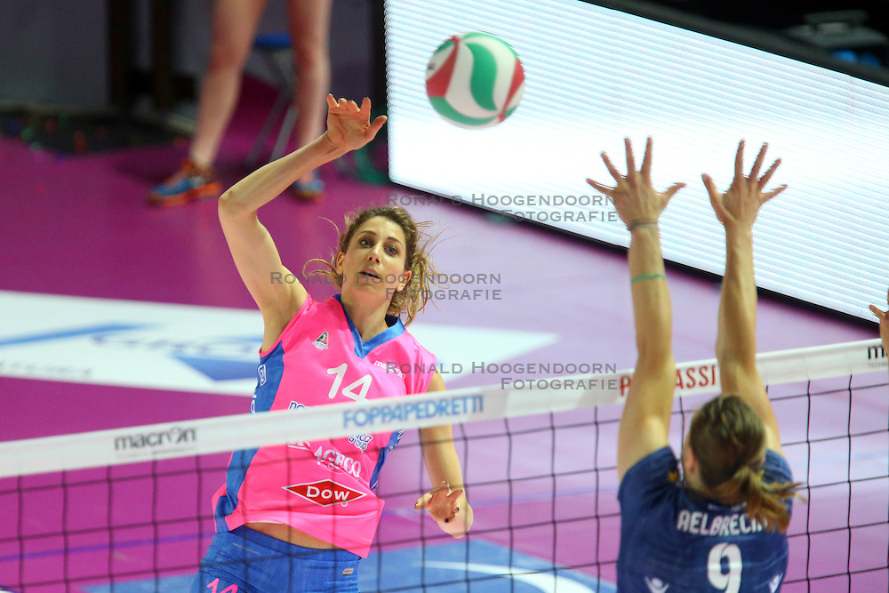 20-04-2016 ITA: Foppapedretti Bergamo - Nordmeccanica Piacenza, Bergamo<br /> Semi Final play-offs / Floortje Meijners<br /> <br /> ***NETHERLANDS ONLY***
