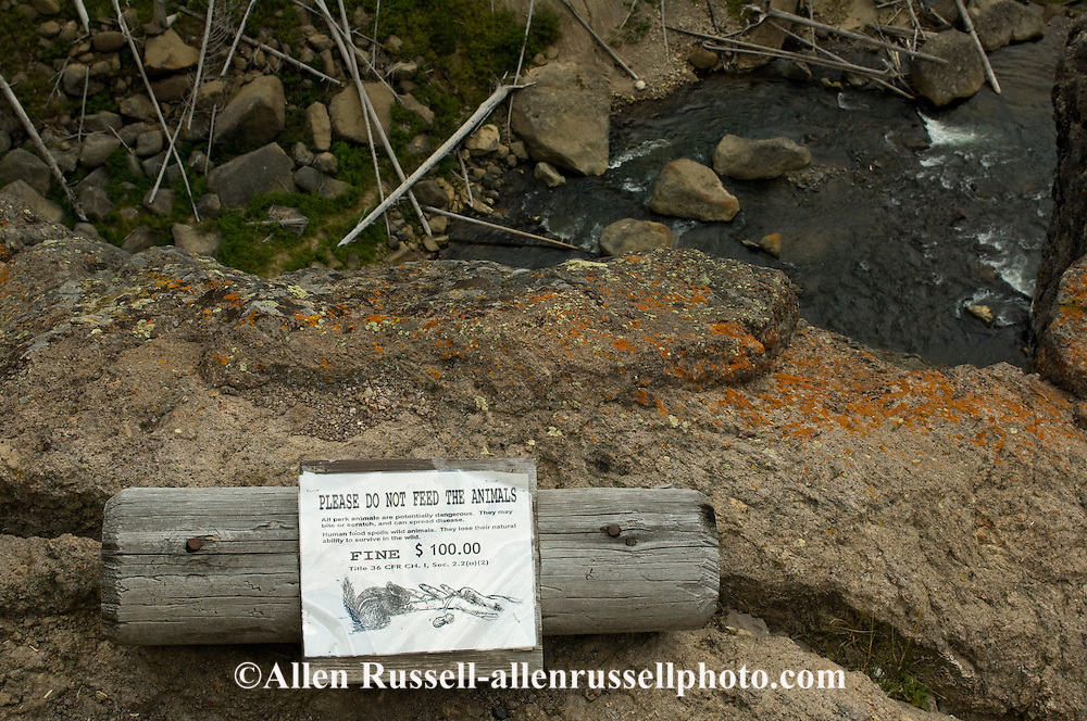 Yellowstone National Park, sign, Do not feed the animals, $100 fine, Wyoming