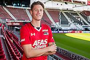 ALKMAAR - 06-07-2016, Wout Weghorst tekent vier jarig contract bij AZ, AFAS Stadion,