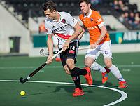 AMSTELVEEN - Nicky Leijs (Adam)   tijdens de oefenwedstrijd tussen Amsterdam en Bloemendaal heren.   COPYRIGHT  KOEN SUYK