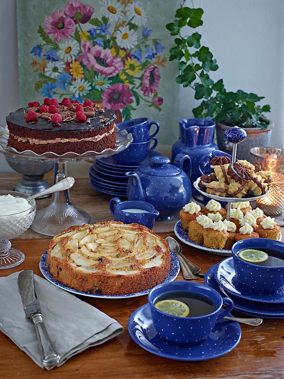 Motiv: Afternoon tea bak<br /> Recept: Katarina Carlgren<br /> Fotograf: Thomas Carlgren<br /> Anv&auml;ndningsr&auml;tt: Publ en g&aring;ng <br /> Annan publicering kontakta fotografen