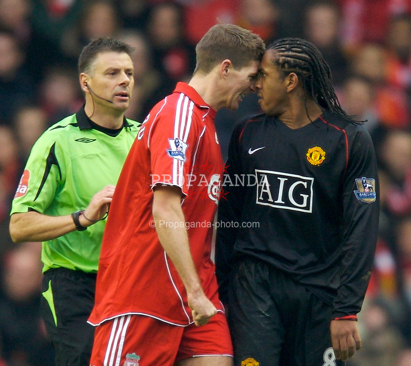 LIVERPOOL, ENGLAND - Sunday, December 16, 2007: Manchester United's Oliveira Anderson assaults Liverpool's captain Steven Gerrard MBE during the Premiership match at Anfield. (Photo by David Rawcliffe/Propaganda)