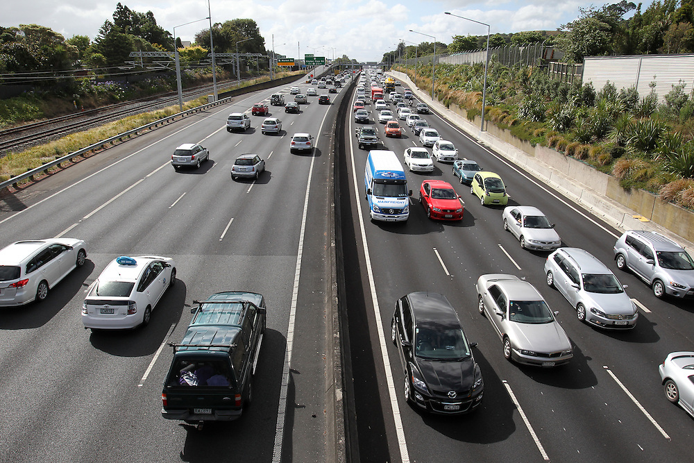 Southern Motorway, Auckland, New Zealand, Friday, January 18, 2013. Credit:SNPA / Ben Campbell