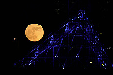 Wolf Moon Rises Over Portland - 1 Jan 2018