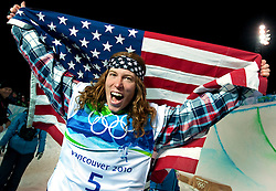 Olympic Winter Games Vancouver 2010 - Olympische Winter Spiele Vancouver 2010, Snowboard (Men's Halfpipe), Shaun White, USA, celebrates after winning the men's halfpipe competition at the 2010 Winter Olympics in Cypress, British Columbia, on Wednesday, Feb. 17, 2010.  *** Photo by newsport / HOCH ZWEI / SPORTIDA.com.