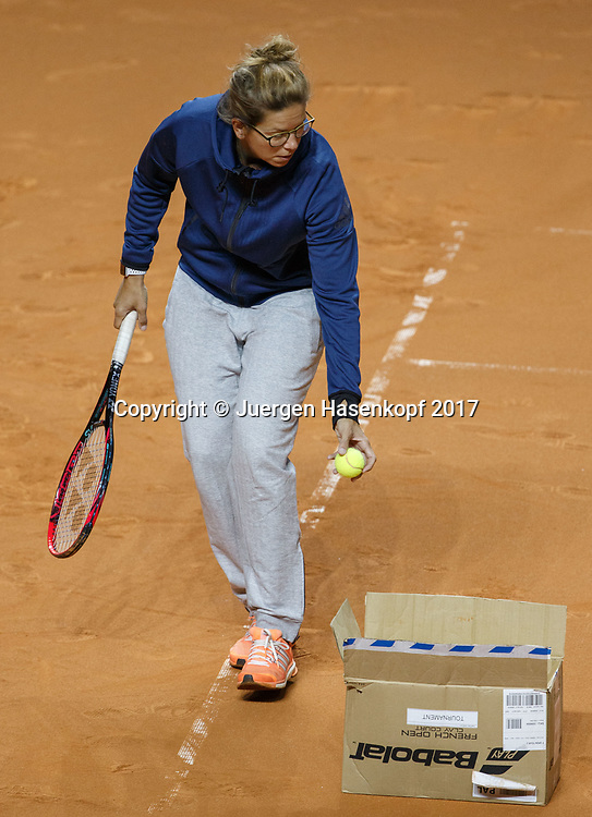 Physiotherapeutin Cathrin Junker, ANGELIQUE KERBER TEAM, Training<br /> <br /> Tennis - Porsche  Tennis Grand Prix 2017 -  WTA -  Porsche-Arena - Stuttgart -  - Germany  - 26 April 2017.