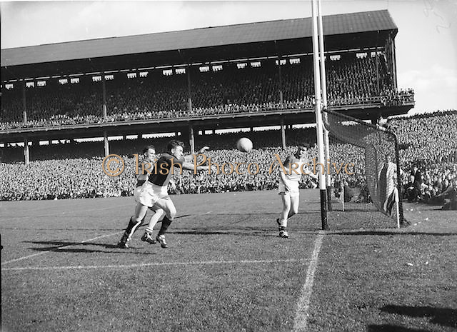 Ball flies towards goal during the Down v Offaly All Ireland Senior Gaelic Football Final in Croke Park on 24th September 1961.