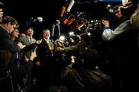 03 NOV 2005, BERLIN/GERMANY:<br /> Kurt Beck, SPD, Ministerpraesident Rheinland-Pfalz, im Gespraech mit Journalisten, vor Beginn der Sitzung des SPD Praesidiums, vor der Nominierung eines neuen SPD Praesidiums durch den SPD Parteivorstand, Willy-Brandt-Haus<br /> IMAGE: 20051102-01-023<br /> KEYWORDS: Journalist, Mikrofon, microphone, Kamera, Camera,