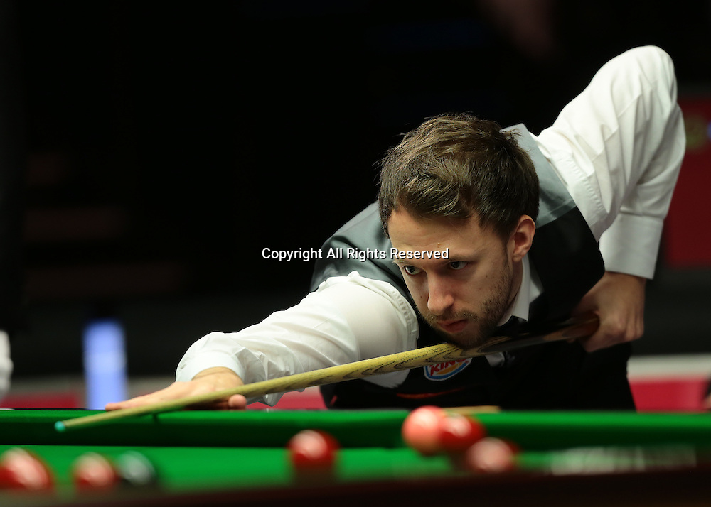 16.01.2016.  Alexandra Palace, London, England. Masters Snooker. Semi Finals. Judd Trump pots his way to winning frame three