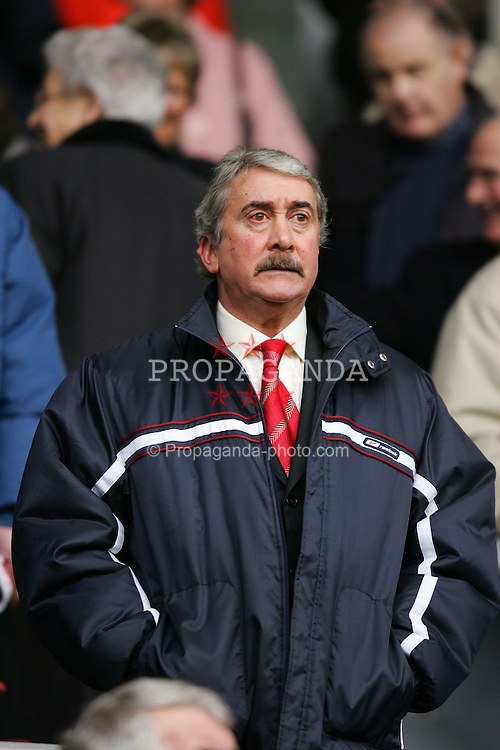 LIVERPOOL, ENGLAND - SATURDAY FEBRUARY 5th 2005: Liverpool's Chairman David Moores watches his side's 3-1 victory over Fulham during the Premiership match at Anfield. (Pic by David Rawcliffe/Propaganda)