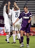 Fotball , 29. september 2005,   - UEFA Cup, FK Austria Wien vs Viking , Trygve Nygaard , Allan Gaarde (Stavanger) und  Ernst Dospel (A. Wien).<br />  Foto:  Norbert Juvan , Digitalsport<br /> Norway only