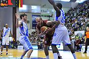 DESCRIZIONE : Campionato 2013/14 Dinamo Banco di Sardegna Sassari - Umana Reyer Venezia<br /> GIOCATORE : Andre Smith<br /> CATEGORIA : Tagliafuori Tiro Difesa<br /> SQUADRA : Umana Reyer Venezia<br /> EVENTO : LegaBasket Serie A Beko 2013/2014<br /> GARA : Dinamo Banco di Sardegna Sassari - Umana Reyer Venezia<br /> DATA : 16/03/2014<br /> SPORT : Pallacanestro <br /> AUTORE : Agenzia Ciamillo-Castoria / Luigi Canu<br /> Galleria : LegaBasket Serie A Beko 2013/2014<br /> Fotonotizia : Campionato 2013/14 Dinamo Banco di Sardegna Sassari - Umana Reyer Venezia<br /> Predefinita :