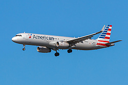 Airbus A321-231 (N907AA) operated by American Airlines on approach to San Francisco International Airport (KSFO), San Francisco, California, United States of America