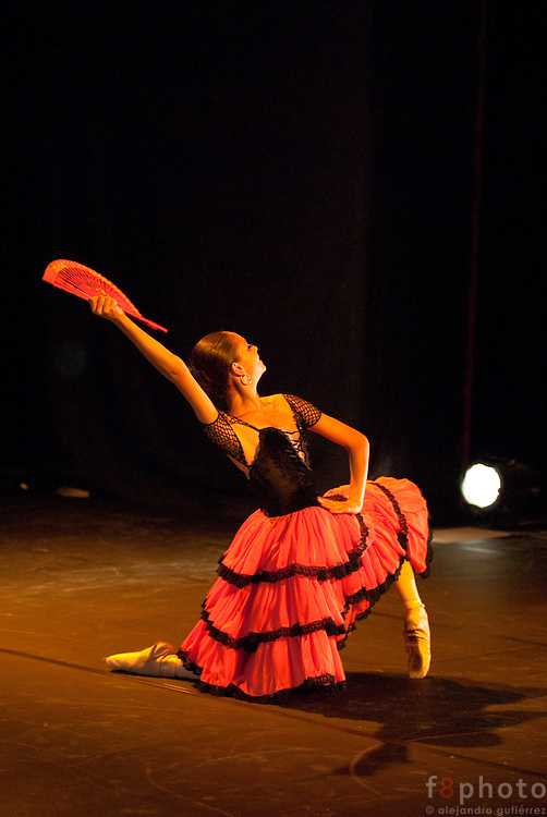 "The young dancer Mariana Layun during the Ballet Gala ""Reflejos"" in the Second International Dance Festival Ibérica Contemporánea, Querétaro, México, 2009"