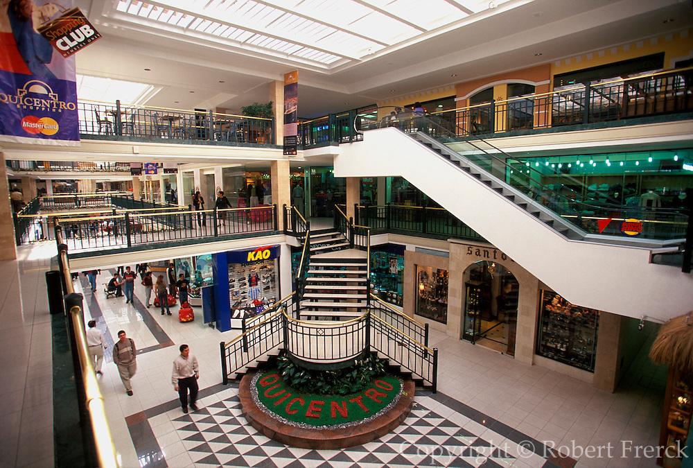 ECUADOR, QUITO, LIFESTYLE Quicentro high-end shopping mall