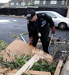 © Licensed to London News Pictures. 06/08/2012 . Police searching Fieldway Estate in News Addington for Missing 12 year old Tia Sharp, on August 6, 2012. 12 year old Tia Sharp has been missing from the Lindens on The Fieldway Estate in New Addington since Friday last week. Photo credit : Grant Falvey/LNP