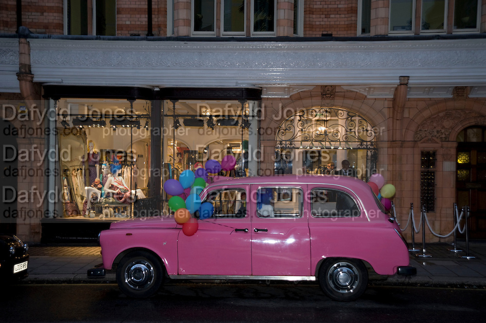 PINK TAXI. The Launch of the Lanvin store on Mount St. Presentation and cocktails.  London. 26 March 2009