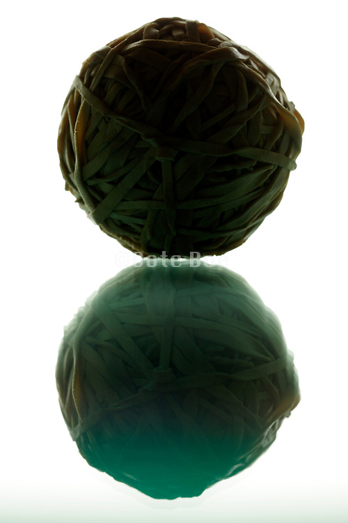 rubber string ball and its reflection