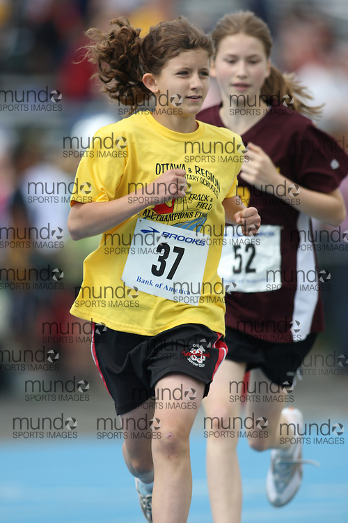 (Ottawa, Ontario---20/06/09)   Kate Burke competing in the 1500m at the 2009 Bank of America All-Champions Elementary School Track and Field Championship. www.mundosportimages.com / www.msievents.