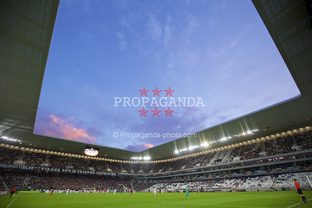 BORDEAUX, FRANCE - Thursday, September 17, 2015: FC Girondins de Bordeaux take on Liverpool during the UEFA Europa League Group Stage Group B match at the Nouveau Stade de Bordeaux. (Pic by David Rawcliffe/Propaganda)
