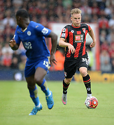 Matt Ritchie of Bournemouth attacks. - Mandatory byline: Alex James/JMP - 07966386802 - 29/08/2015 - FOOTBALL - Dean Court -Bournemouth,England - AFC Bournemouth v Leicester City - Barclays Premier League