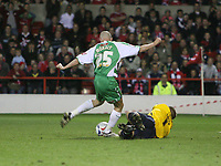Photo: Rich Eaton.<br /> <br /> Nottingham Forest v Yeovil Town. Coca Cola League 1. Play off Semi Final 2nd Leg. 18/05/2007. Lee Morris #25 beats Forest keeper Paul Smith to make it 4-2 to Yeovil in extra time
