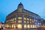 Gebäude am Leidseplein mit Apple Store, Amsterdam, Holland, Niederlande