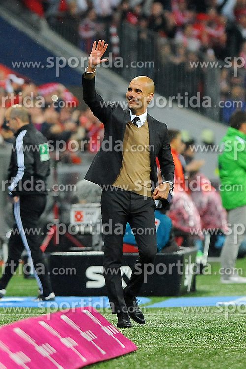 22.09.2015, Allianz Arena, Muenchen, GER, 1. FBL, FC Bayern Muenchen vs VfL Wolfsburg, 6. Runde, im Bild Trainer Pep Guardiola (FC Bayern Muenchen) // during the German Bundesliga 6th round match between FC Bayern Munich and VfL Wolfsburg at the Allianz Arena in Muenchen, Germany on 2015/09/22. EXPA Pictures &copy; 2015, PhotoCredit: EXPA/ Eibner-Pressefoto/ Stuetzle<br /> <br /> *****ATTENTION - OUT of GER*****