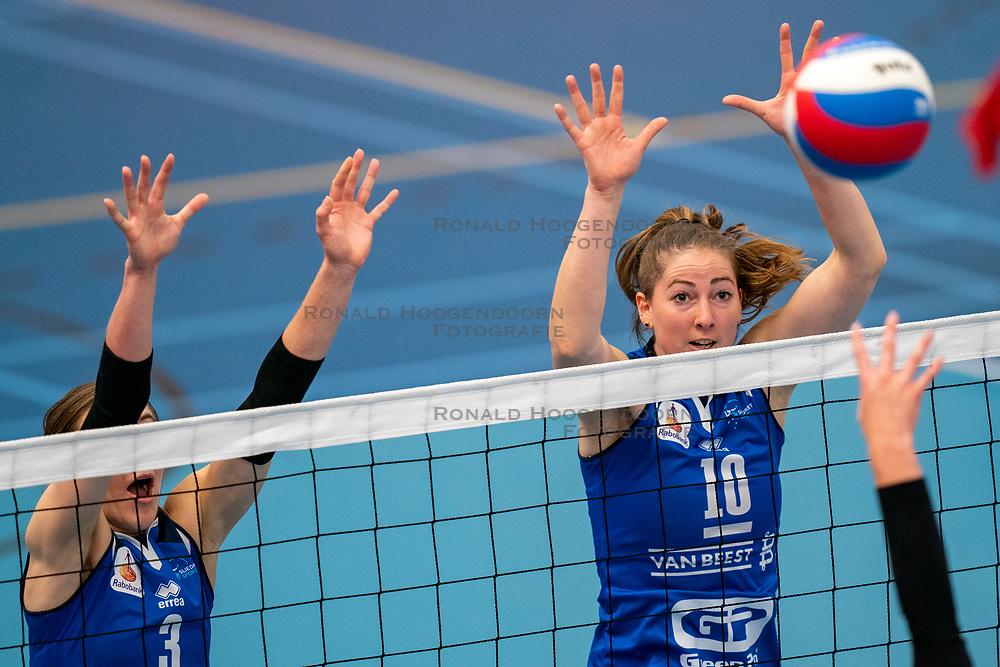 26-10-2019 NED: Talentteam Papendal - Sliedrecht Sport, Ede<br /> Round 4 of Eredivisie volleyball - Dani Dammers #3 of Sliedrecht Sport, Carlijn Ghijssen-Jans #10 of Sliedrecht Sport