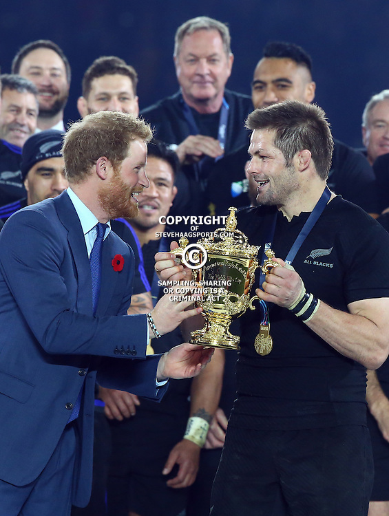 LONDON, ENGLAND - OCTOBER 31:  during the Rugby World Cup Final match between New Zealand vs Australia Final, Twickenham, London on October 31, 2015 in London, England. (Photo by Steve Haag)