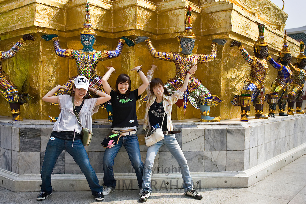 Young tourists, Bangkok, Thailand