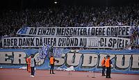 FUSSBALL  International  Champions League  SAISON 2009/2010   15.09.2009 FC Zuerich - Real Madrid FCZ Fans in der Suedkurve im Stadion Letzigrund mit dem Spruchband; FCZ ist der einzige Meister der Gruppe C, aber Dank der UEFA darf Real Madrid, AC Mailand und Olympique Marseille auch mitspielen.