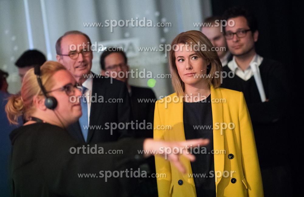 12.05.2019, Puls4 Studio, Wien, AUT, Puls4, Elefantenrunde zur Europawahl 2019, im Bild EU-Spitzenkandidatin Claudia Gamon (NEOS), im Hintergrund links EU-Spitzenkandidat Othmar Karas (ÖVP) // during political discussion due to elections of the european parliament 2019 in Vienna, Austria on 2019/05/12, EXPA Pictures © 2019, PhotoCredit: EXPA/ Michael Gruber
