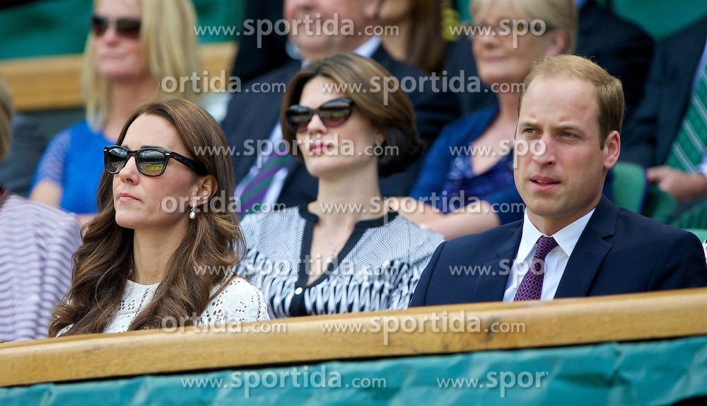 02.07.2014, All England Lawn Tennis Club, London, ENG, WTA Tour, Wimbledon, im Bild Catherine Middleton and William Windsor (Duke and Dutchess of Cambridge) during the Ladies' Singles Quarter-Final match on day nine // during the Wimbledon Championships at the All England Lawn Tennis Club in London, Great Britain on 2014/07/02. EXPA Pictures &copy; 2014, PhotoCredit: EXPA/ Propagandaphoto/ David Rawcliffe<br /> <br /> *****ATTENTION - OUT of ENG, GBR*****