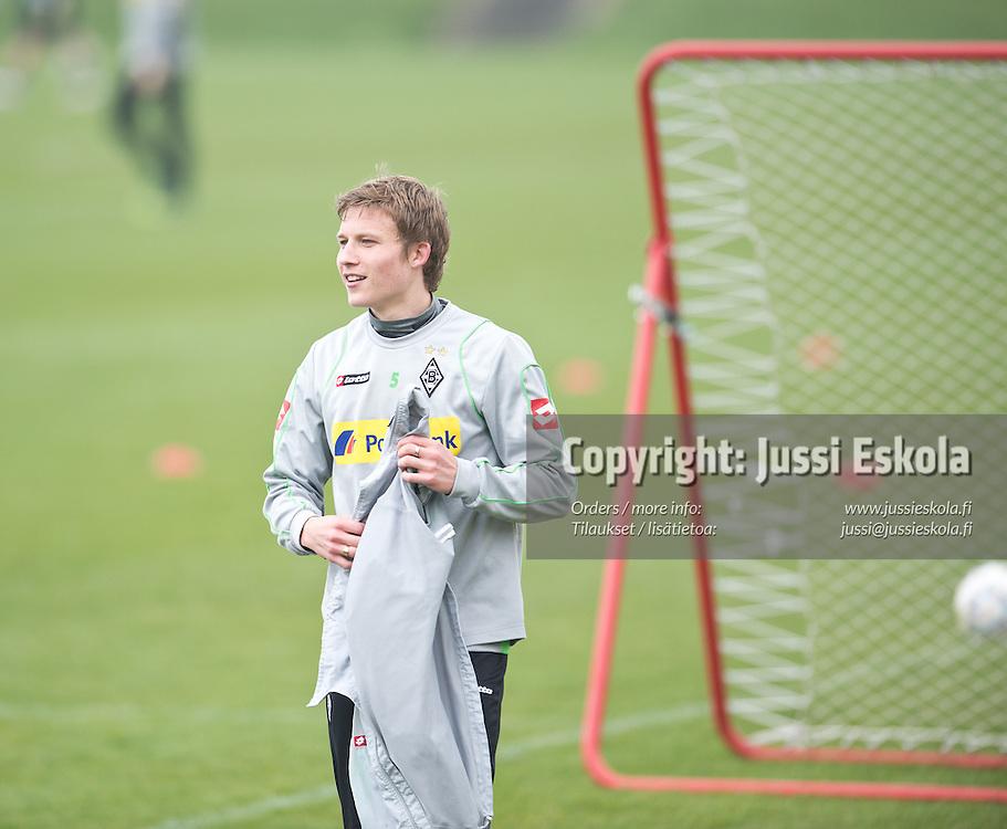 Alexander Ring. Harjoitukset. Borussia Mönchengladbach. 13.4.2012. Photo: Jussi Eskola