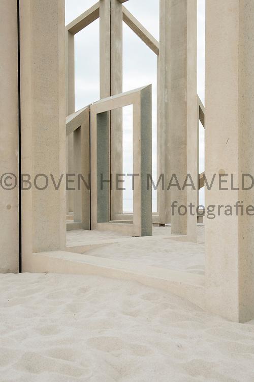 Kunstwerk de Zandwacht op de Maasvlakte