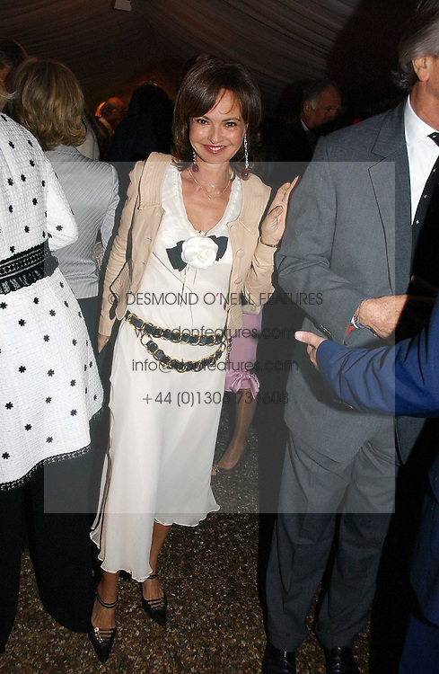 COUNTESS MAYA VON SCHONBURG at the annual Chelsea Flower Show dinner hosted by jewellers Cartier at the Chelsea Pysic Garden, London on 22nd May 2006.<br />