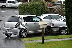 Wellington-Car ploughs into parked vehicles