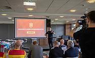 Auktion før FC Nordsjælland Kasseløbet / Box Race 2019. Foto: Claus Birch.