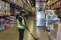 Images of the staff and new facilities at ID Foods in Calgary for use in an article in Western Grocer Magazine<br /> <br /> ©2016, Sean Phillips<br /> http://www.RiverwoodPhotography.com