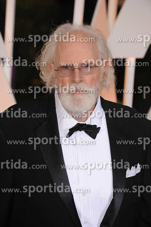 22.02.2015, Dolby Theatre, Hollywood, USA, Oscar 2015, 87. Verleihung der Academy of Motion Picture Arts and Sciences, im Bild Bruce Dern // attends 87th Annual Academy Awards at the Dolby Theatre in Hollywood, United States on 2015/02/22. EXPA Pictures &copy; 2015, PhotoCredit: EXPA/ Newspix/ PGMP<br /> <br /> *****ATTENTION - for AUT, SLO, CRO, SRB, BIH, MAZ, TUR, SUI, SWE only*****