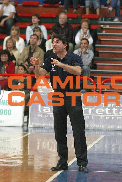 DESCRIZIONE : Montecatini Legadue 2006-07 Agricola Gloria Basket Rossoblu Montecatini Indesit Fabriano Basket<br /> GIOCATORE : Coach Finelli<br /> SQUADRA : Agricola Gloria Basket Rossoblu Montecatini<br /> EVENTO : Campionato Legadue 2006-2007<br /> GARA : Agricola Gloria Basket Rossoblu Montecatini Indesit Fabriano Baslet<br /> DATA : 15/10/2006<br /> CATEGORIA : <br /> SPORT : Pallacanestro<br /> AUTORE : Agenzia Ciamillo-Castoria/Stefano D'Errico
