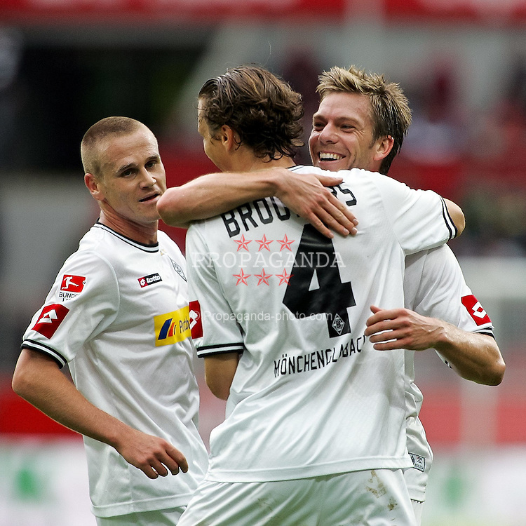 29.08.2010,  BayArena, Leverkusen, GER, 1. FBL, Bayer Leverkusen vs Borussia Moenchengladbach, 2. Spieltag, im Bild: Thorben Marx (Moenchengladbach #14) umarmt Roel Brouwers (Moenchengladbach #4 / Torschuetze 1:2)  EXPA Pictures © 2010, PhotoCredit: EXPA/ nph/  Mueller+++++ ATTENTION - OUT OF GER +++++