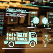 Padiglione  Future Food District Realizzato in collaborazione con Coop. Attraversando i diversi ambienti, i visitatori potranno esplorare e conoscere una catena alimentare pivp etica e trasparente, resa possibile dall'uso delle nuove tecnologie<br /> Expo2015 Milano 5/05/2015
