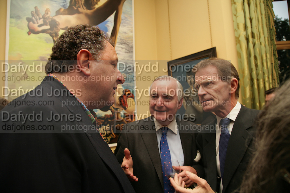 Jean Pigozzi, Sir Timothy Clifford and  Nicholas Serota , Party for Jean Pigozzi hosted by Ivor Braka to thank him for the loan exhibition 'Popular Painting' from Kinshasa'  at Tate Modern. Cadogan sq. London. 29 May 2007.  -DO NOT ARCHIVE-© Copyright Photograph by Dafydd Jones. 248 Clapham Rd. London SW9 0PZ. Tel 0207 820 0771. www.dafjones.com.