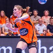 NLD/Den Bosch/20160604 - EK Kwalificatiewedstrijd handbal Nederland - Oostenrijk, nr.6 Laura van der Heijden
