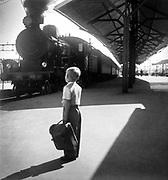 Tåg klart för avfärd mot Rättvik Mora från centralstationen i Falun på 1950-talet