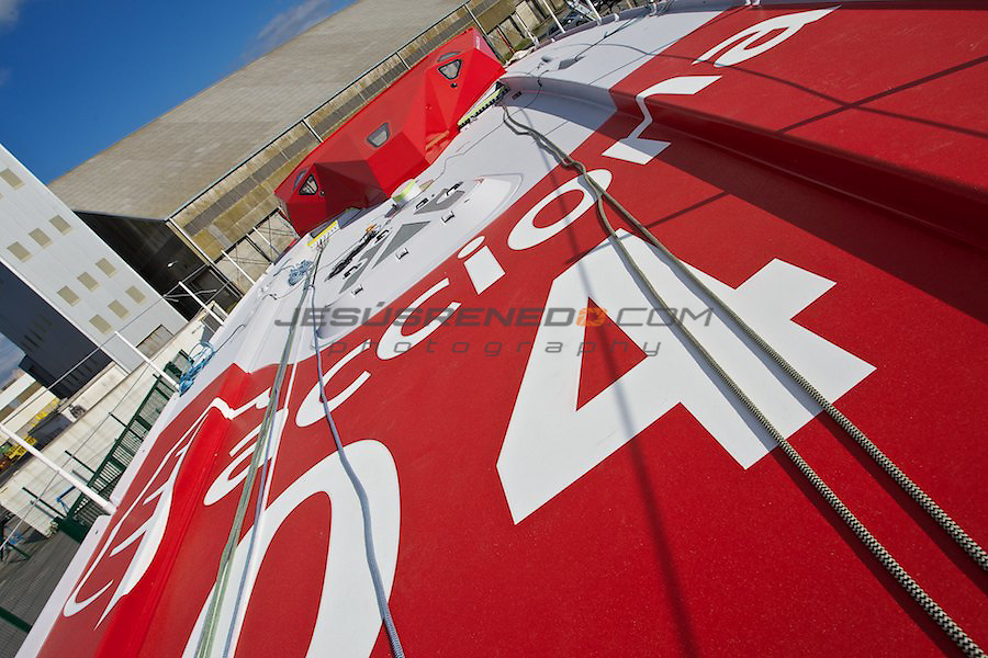 Imoca 60 ACCIONA.Works on board in Brest ,France,before the launching.08/31/2011