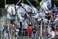 FODBOLD: Fans fra FC Helsingør under kampen i ALKA Superligaen mellem Hobro IK og FC Helsingør den 16. juli 2017 på DS Arena i Hobro. Foto: Claus Birch