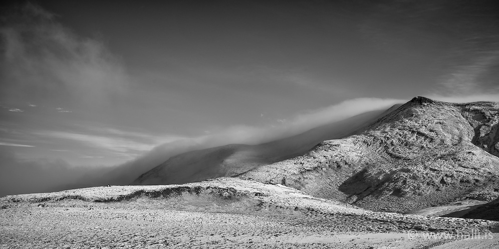 Mountain at Nesjavellir, Iceland - Fjallasýn á Nesjavallaleið